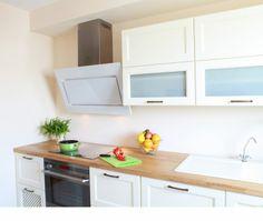 Aranżacja białej kuchni z okapem Globalo Altara 90.1 White Max www.globalo.pl