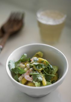 Shrimp and Mango Salad Healthy Meals For Two, Healthy Dinner Recipes, Appetizer Recipes, Salad Recipes, Shrimp Avocado Salad, Mango Salad, Clean Eating Soup, Food Test, Easy Cooking