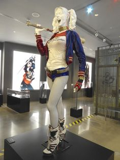Hollywood Movie Costumes and Props: Margot Robbie's Harley Quinn costume from…