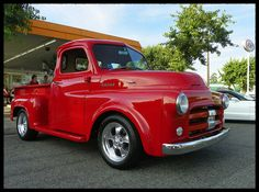 Vintage Trucks Restore our 1951 Dodge Truck to something like this, but forest green. - A beautiful red stepside 1951 Dodge Pickup at the A Dodge Pickup Trucks, Classic Pickup Trucks, Jeep Pickup, Pickup Camper, Dodge Cummins, Truck Camper, Station Wagon, Cool Trucks, Big Trucks