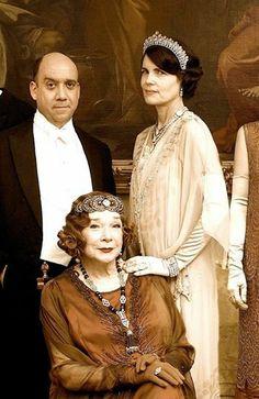 "'Lady Cora', 'Martha Levinson', & 'Harold Levinson' in ""Downton Abbey"" / https://www.pinterest.com/soulchango/downton-abbey"