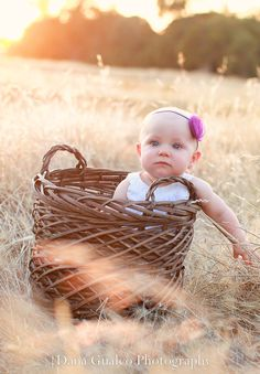 Baby Girl Photography. 8 months. Baby girl photography ideas. Baby Photography. Sacramento Baby Photographer.