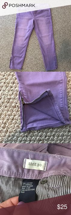 "Madewell pants Light purple pants, size is 30 but too small for me and I usually wear a 29. inseam 25"", zipper detail at ankle Madewell Pants Skinny"