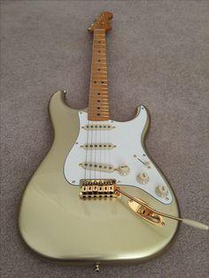 Gold Fender Stratocaster