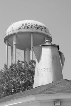 The Coffee Pot was Built in the 1920's by J.J. Carruth. It was the 1st fast food restaurant in the South. it still sits atop the original building which is unoccupied on S. First Street.