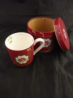 Royal Albert New Country Roses Cup/Mug in Round Tin | Pottery & Glass, Pottery & China, China & Dinnerware | eBay!