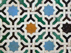 Azulejo original de la Alhambra de Granada