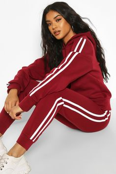 Red Fashion Outfits, Sporty Outfits, Cute Casual Outfits, Chic Outfits, Girl Outfits, Pretty Outfits, Red Tracksuit, Adidas Tracksuit, Sweats Outfit