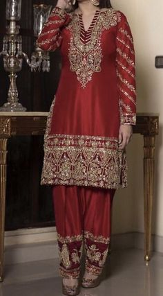 Pakistani Party Wear Dresses, Simple Pakistani Dresses, Pakistani Wedding Outfits, Pakistani Dress Design, Bridal Outfits, Wedding Dresses, Party Dresses, Dress Party, Wedding Suits