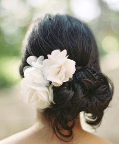 Hot (New!) Timeless Wedding Hairstyle Ideas. http://www.modwedding.com/2014/02/22/timeless-wedding-hairstyle-ideas/ #wedding #weddings #hair #hairstyles #fashion