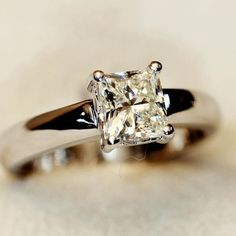 Beautiful Diamond Rings, Jewelry Crafts, Heart Ring, Engagement Rings, Enagement Rings, Wedding Rings, Heart Rings, Pave Engagement Rings, Diamond Engagement Rings