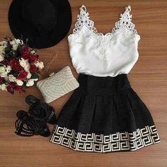 vestido com renda em preto e branco