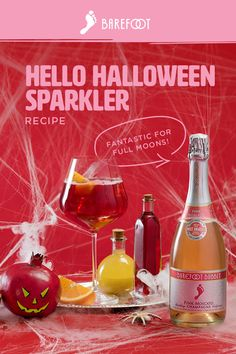 Halloween Sparkler: A spooky cocktail for guys, gals and ghouls! Halloween Cocktails, Halloween Food For Party, Halloween Desserts, Holiday Drinks, Halloween Treats, Holiday Fun, Halloween Foods, Refreshing Drinks, Summer Drinks
