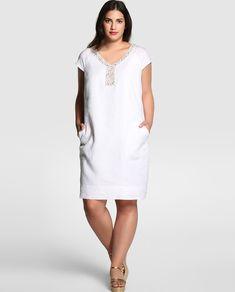 Vestido corto de tallas grandes                                                                                                                                                                                 Más