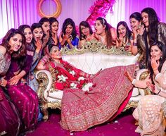 Weddings are the most fun you have with your friends. We've got 16 wedding pictures that you simply MUST get with your indian bridesmaids Indian Wedding Couple Photography, Indian Wedding Photos, Bride Photography, Mehendi Photography, Wedding Pictures, Indian Weddings, Photography Ideas, Indian Bridal, Bengali Wedding