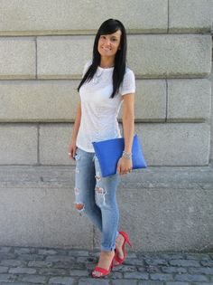White t-shirt and jeans with primary colours