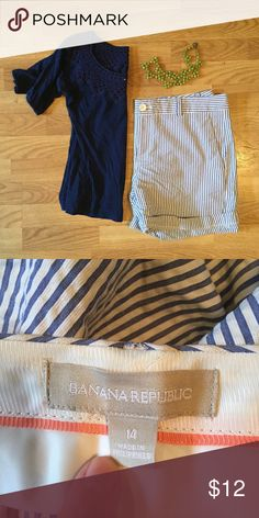 Banana Republic Preppy Shorts In great shape. These go with everything! Banana Republic Shorts