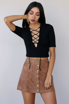 CHARLIE LACE UP CROP