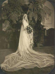 Wedding gown  . .. .1929