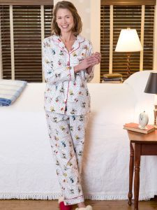 2750db186e Cozy up with Peanuts snow fun pajamas for women featuring button-front top  and elastic-waist bottoms. Add these exclusive Charlie Brown PJs to your ...