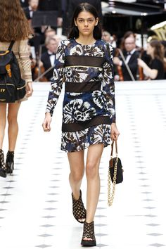 Burberry Prorsum Spring 2016 Ready-to-Wear Fashion Show