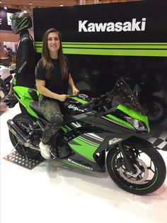 Female Motorcycle Riders, Motorbike Girl, Sport Motorcycles, Crotch Rockets, Ninja Girl, Sportbikes, Biker Chick, Custom Bikes, Airsoft
