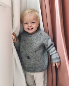 Ravelry: Teddy Bear Sweater pattern by PetiteKnit Sweater Knitting Patterns, Knit Patterns, Free Knitting, Kids Knitting, Knitting Projects, Knit Baby Sweaters, Baby Knits, Brown Teddy Bear, Creative Knitting