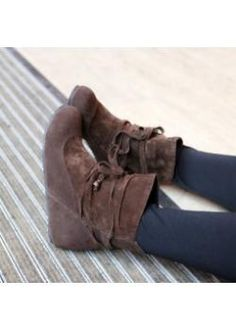 Wholesale Plus size women shoes new-style flat short boot brown$15.52
