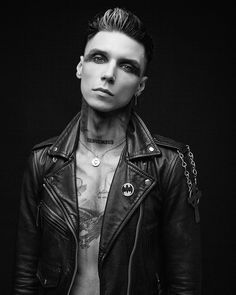 Andy Biersack, Jake Pitts, Black Veil Brides Andy, Andy Black, Architecture Tattoo, Funny Tattoos, Celebrity Travel, Jamie Fraser, Jon Snow