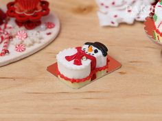 Snowman Christmas Cake - 12th Scale Miniature Food