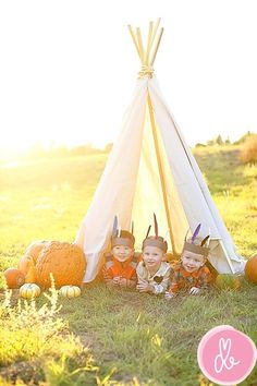 What a fun idea for a shoot to do with your kiddies.  drewB Photography by shelly