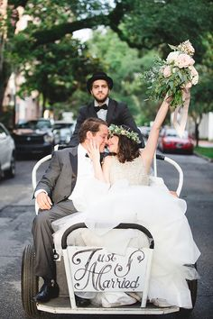handcrafted sparkle wedding in Savannah - photo by Izzy Hudgins Photography http://ruffledblog.com/handcrafted-sparkle-wedding-in-savannah