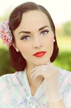 PERFECT vintage hair & makeup! <3