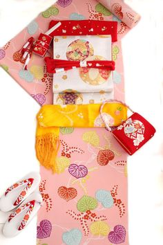 七五三753七才7歳超豪華着物フルセット特選正絹京友禅四つ身小紋ピンク地葵文手挿し型友禅女児祝い着全て正絹100%生地染め共日本製