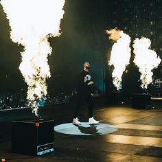 caesar ( augustoc11 ) on Twitter. Drake ConcertFuture ... 13e017ea3164