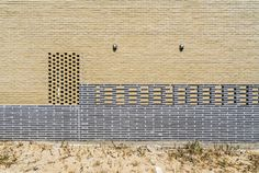 Gallery of Seaside Wall House / KHY architects - 6