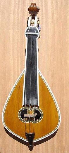 Κρητική Λύρα // Cretan lyra