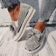 Women Shining Rhinestone Slip-on Loafers with Cute Bowknot – inspireyoos Slip On Sneakers, Platform Sneakers, Casual Sneakers, Slip On Shoes, Flat Shoes, Wedding Shoes Heels, Lace Up Heels, Loafer Slippers, Loafers