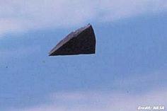 Mistério do OVNI / UFO triangular em foto da NASA é solucionado