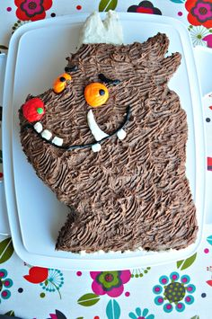 A GRUFFALO (chocolate) cake made by a friend Gruffalo Party, How To Make Cake, Gingerbread Cookies, Birthday Cakes, Chocolate Cake, Party Ideas, Desserts, Food, Gingerbread Cupcakes