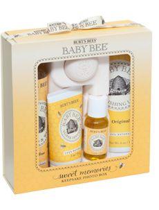 Burt's Bees Baby Bee Sweet Memories Gift Set with Keepsake Photo Box - 1 ea Baby Lotion, Baby Shampoo, Baby Toiletries, Diaper Rash Ointment, Bee Gifts, Baby Gift Sets, Burts Bees, Natural Baby, Memorial Gifts