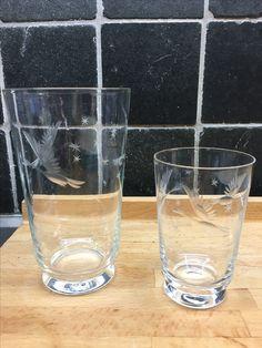 Dekor med flygande änder och stjärnor. Grogglas 13,5 cm, 9 st. Selterglas 9,3 cm, 9 st.