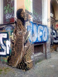 The most phenomenal graffiti artist. 3d Street Art, Amazing Street Art, Street Artists, Amazing Art, Graffiti Art, L'art Du Portrait, Arte Popular, Pics Art, Art Plastique