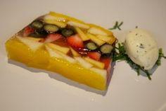 Roses-fruitaspic with tarragon crème fraîche - prescription No Bake Pies, Creme Fraiche, Jello, Sushi, Waffles, Dragon, Fruit, Breakfast, Desserts