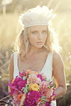 coiffure mariée, bride, mariage, wedding, hair, hairstyle, braid, updo, chignon, tresse, couronne fleurs, headband, boho, boho bride, bohemian