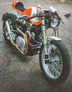 """The Orange Project"" & ""The Fireball"". Two Yamaha ‪#‎CafeRacer‬ by Plan B Motorcycles 