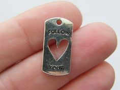 6 Follow your heart charms 20 x 10mm antique by nicoledebruin