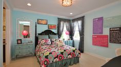 Fun themed bedroom for girls - The Hampton Model #canyontrails