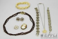 Antique Jewelry, 8 - piece, 2 bracelets, silver, a 3 - row garnet necklace, a pair of ear-clip, 2 brooches. Trailers and Bracelet, leg. Starting Bid: € 1.00