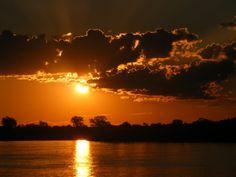 Again a sundowner on a boat in Ngepi.  Image: Linda Holtz